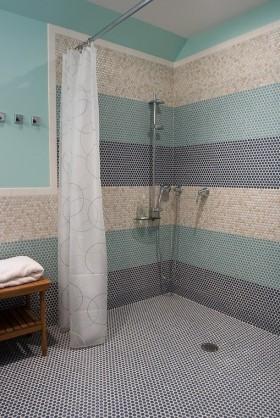 地中海卫浴间瓷砖装修效果图