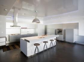 现代简约风格厨房整体橱柜图片