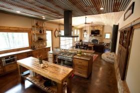 东南亚风格大面积厨房装修效果图