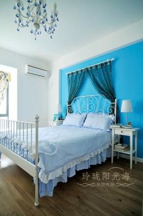 地中海风格卧室背景墙蓝色地中海风格卧室装修效果图
