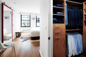 现代简约卧室衣柜装修效果图