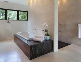 复式楼洗浴间浴缸装修效果图大全
