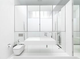 70平米现代简约卫生间装修效果图