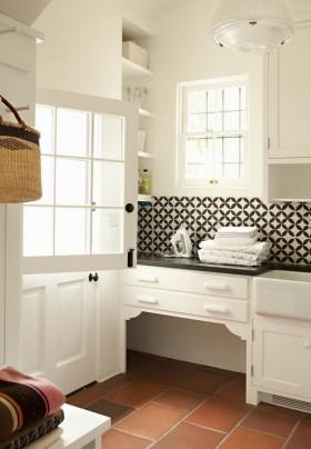 白色卫浴柜图片