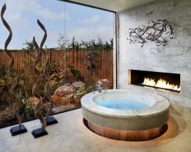 东南亚风格奢华别墅卫生间浴缸装修效果图