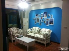 蓝色地中海风格客厅装修