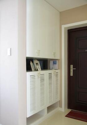 现代简约风格进门鞋柜装修效果图