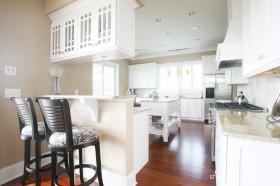 简欧风格白色厨房装修效果图