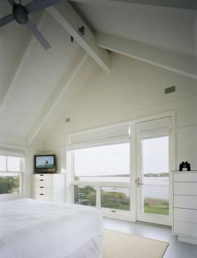 白色北欧斜顶卧室装修效果图大全