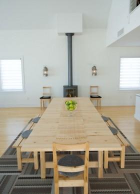 家用实木餐厅餐桌图片
