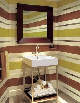 卫生间彩色条纹壁纸贴图
