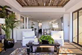 复式楼家居客厅沙发茶几装饰