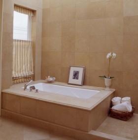 卫浴间卡其色瓷砖装修效果图