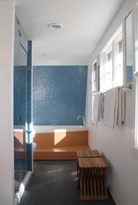卫生间蓝色瓷砖背景墙装修效果图大全