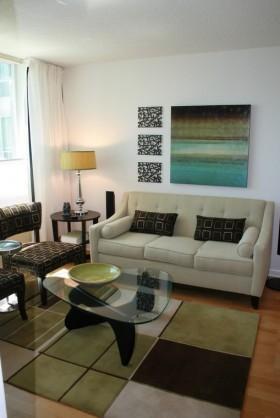简约现代风格客厅玻璃小茶几装修效果图
