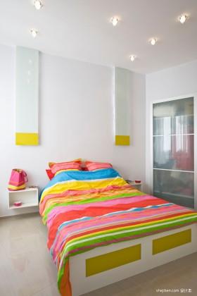 70平米卧室彩虹家居效果图 完美撞色