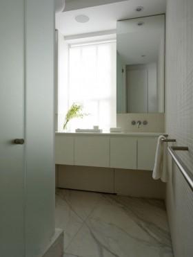 卫生间磨砂玻璃门装修效果图