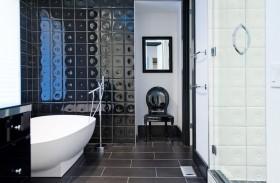 卫生间黑色瓷砖现代风格装修