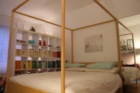 卧室书架隔断装修效果图 卧室布置效果图