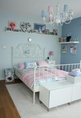 现代简约女孩房间布置效果图