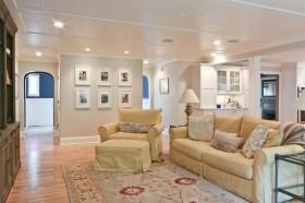 简欧风格客厅淡黄色沙发装修效果图