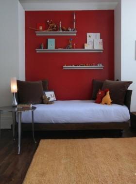 现代风格小客厅红色背景墙装修效果图