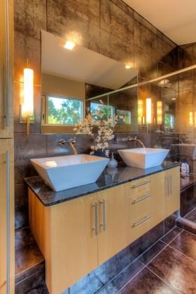 现代时尚卫生间瓷砖装修效果图
