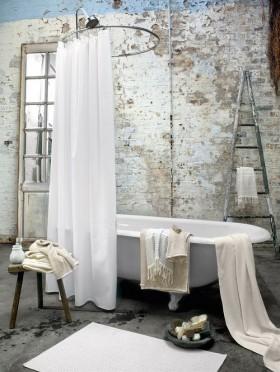 卫生间浴缸装修设计 卫生间窗帘隔断