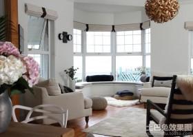 客厅飘窗卷帘图片