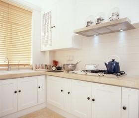 厨房装修效果图 白色厨房橱柜装修