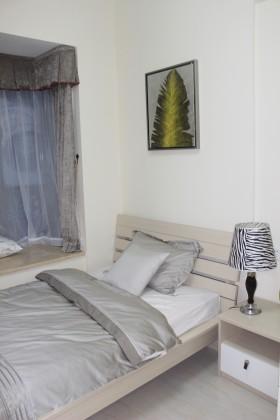时尚简约风格两室两厅一卫家庭卧室装修效果图