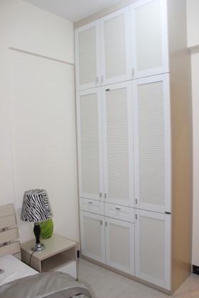 卧室整体衣柜摆放效果图