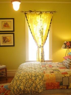 现代卧室窗帘图片  2012卧室窗帘效果图