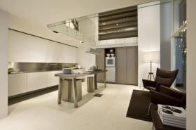 现代开放式厨房玻璃吊顶装修效果图