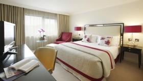 简约风格卧室装修效果图大全 卧室窗帘图片
