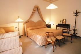 美式简约卧室装修效果图大全 女生卧室装修效果图