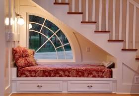 阁楼楼梯角飘窗装修效果图大全