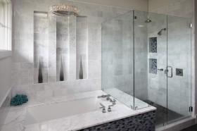 家庭卫浴浴缸装修效果图