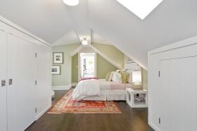 現代風格斜頂閣樓臥室裝修效果圖大全