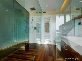 四室一厅卫生间玻璃隔断装修样板房