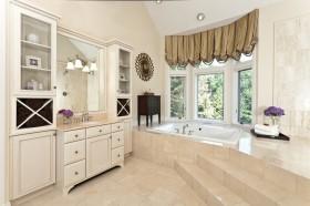 欧式卫生间浴缸窗帘装修效果图