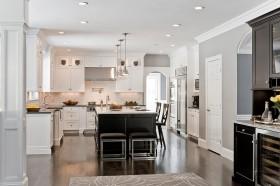 简欧风格开放式厨房装修效果图片