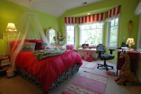 婚房卧室装修效果图 卧室飘窗装修设计