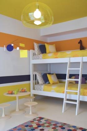 欧式现代儿童卧室上下铺床装修效果图 双胞胎卧室效果图