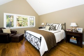斜顶阁楼卧室装修效果图大全
