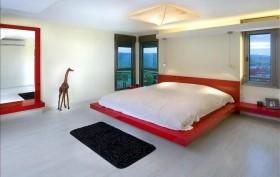 现代简约主卧室榻榻米床装修效果图