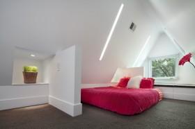 阁楼卧室隔断墙造型