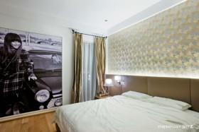 现代主卧室装修图片