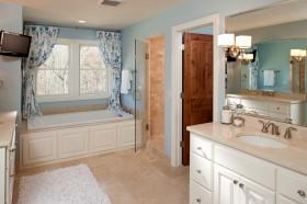 四室两厅卫生间装修样板房