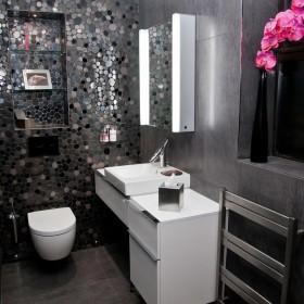 现代风格冷色调卫生间装修效果图大全